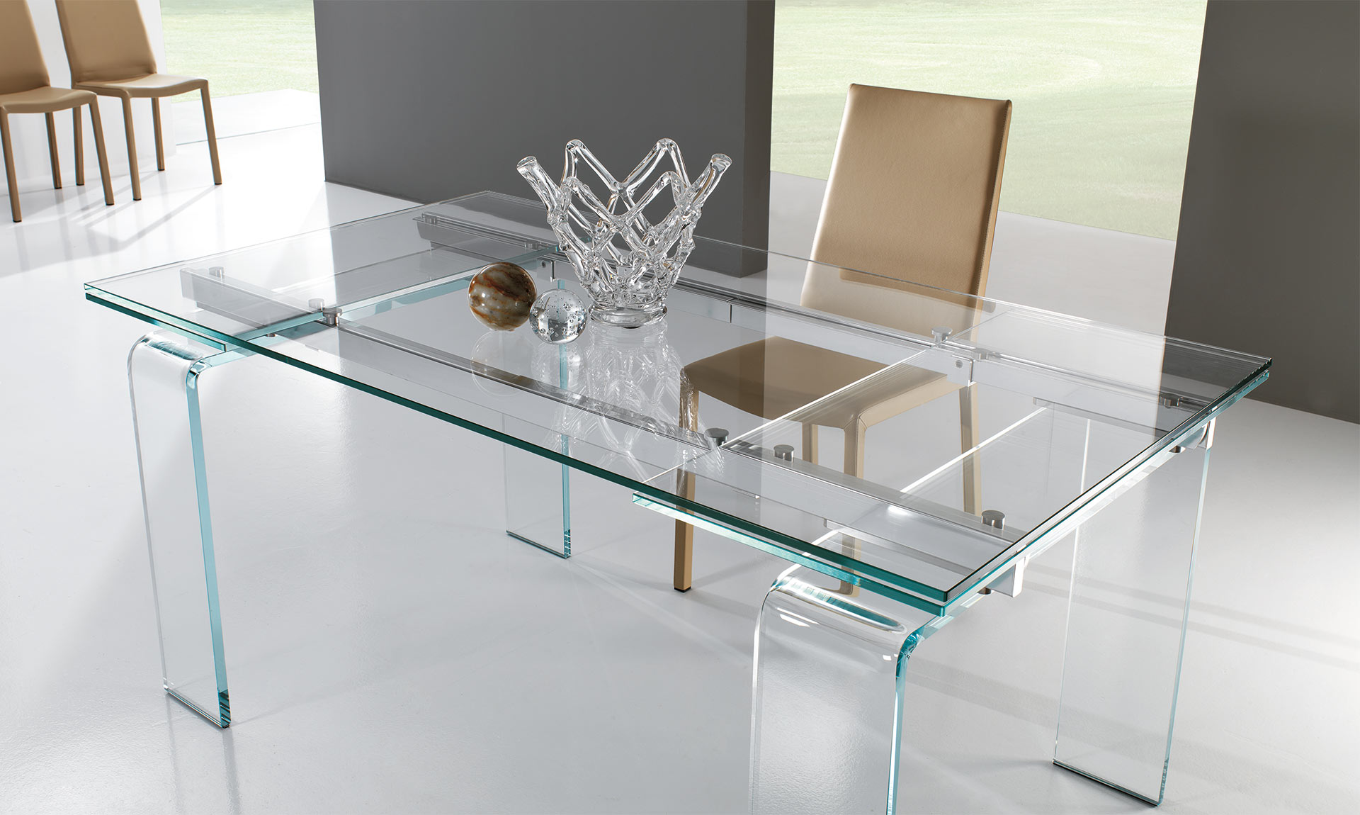 Luxury and Modern Italian Design dining table GLIDE by Riflessi