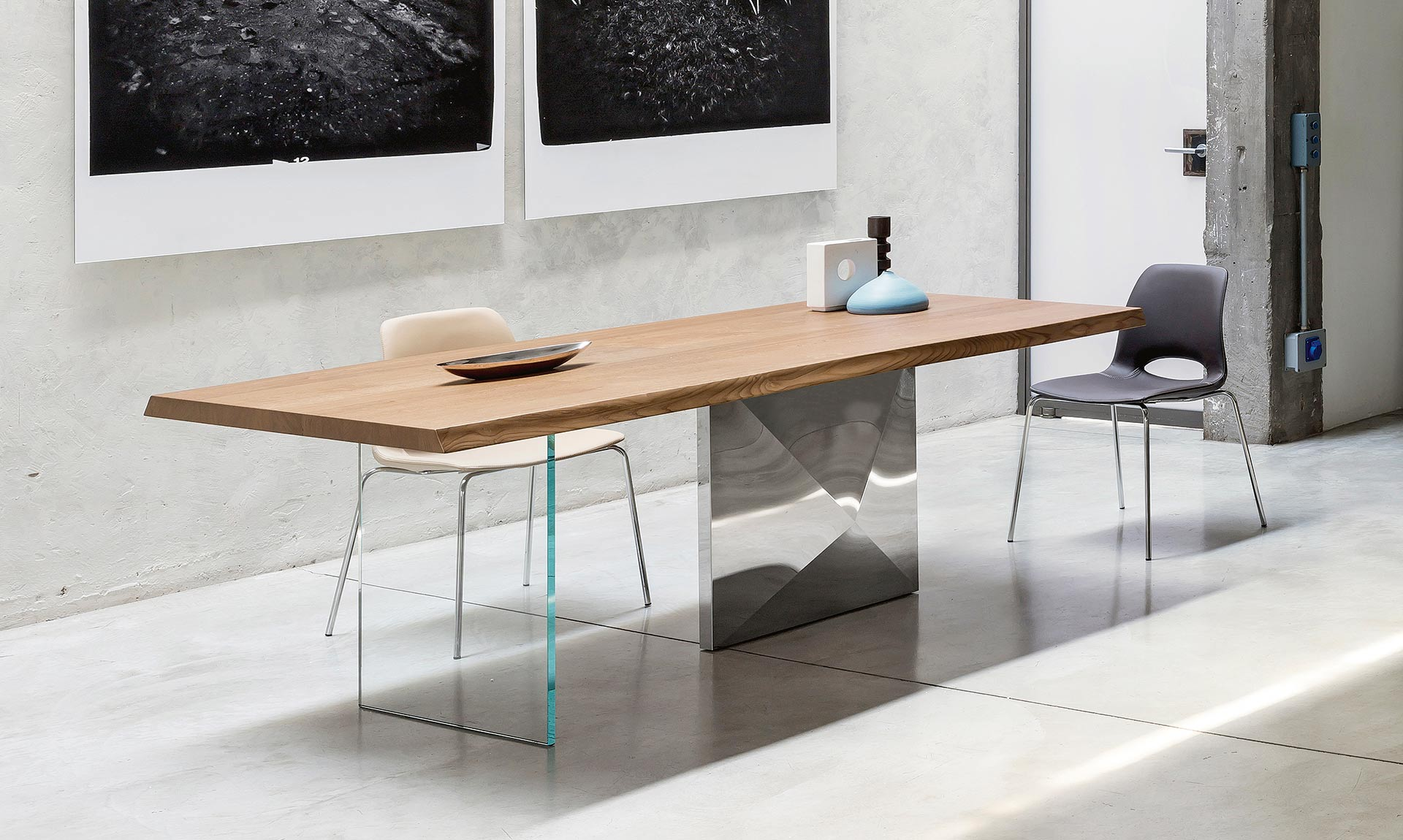 Design dining table CUBRIC By Riflessi
