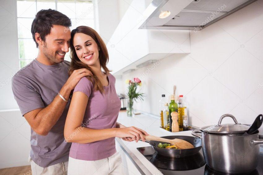 depositphotos_24117057-stock-photo-woman-preparing-food-at-the
